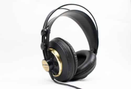 Se puede escuchar música con Auriculares de Estudio?